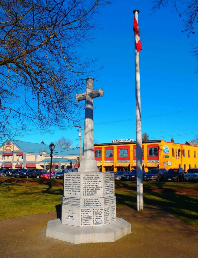 Cenotaph, Charles Hoey Park, Duncan, B.C. The names of four Brethren of Temple Lodge, No.33 appear on the Cenotaph.