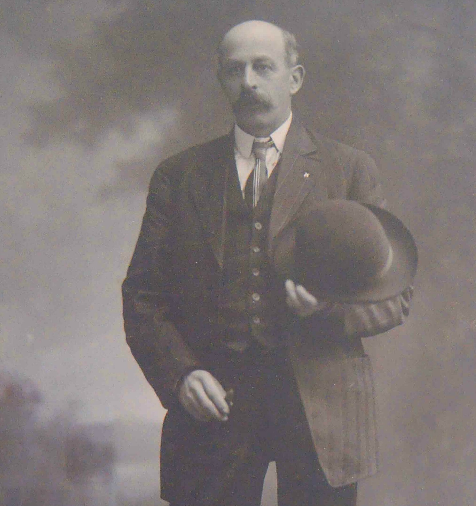 Harry Smith, Worshipful Master of Temple Lodge, No.33 in 1901