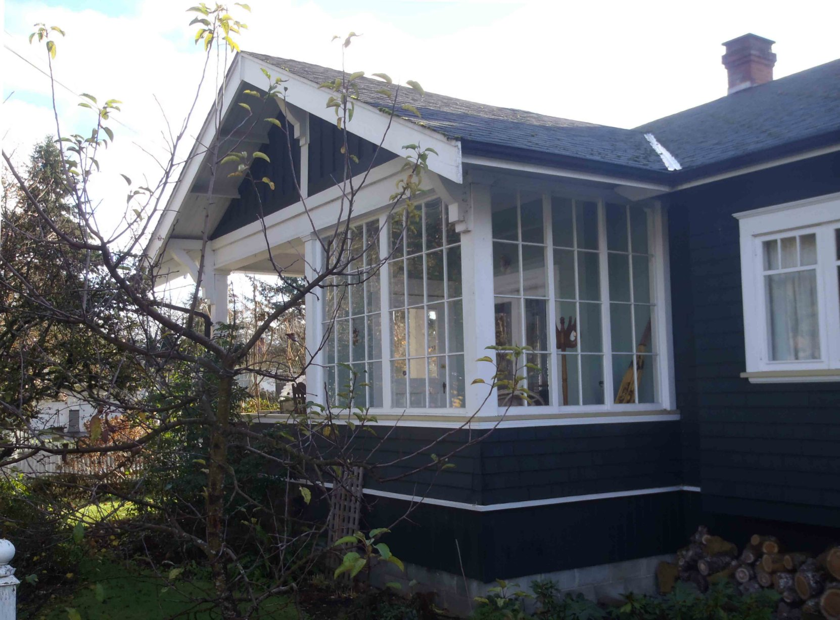1081 Holmes Street (porch detail), built circa 1912 for Matthias Kirkwood McMillan