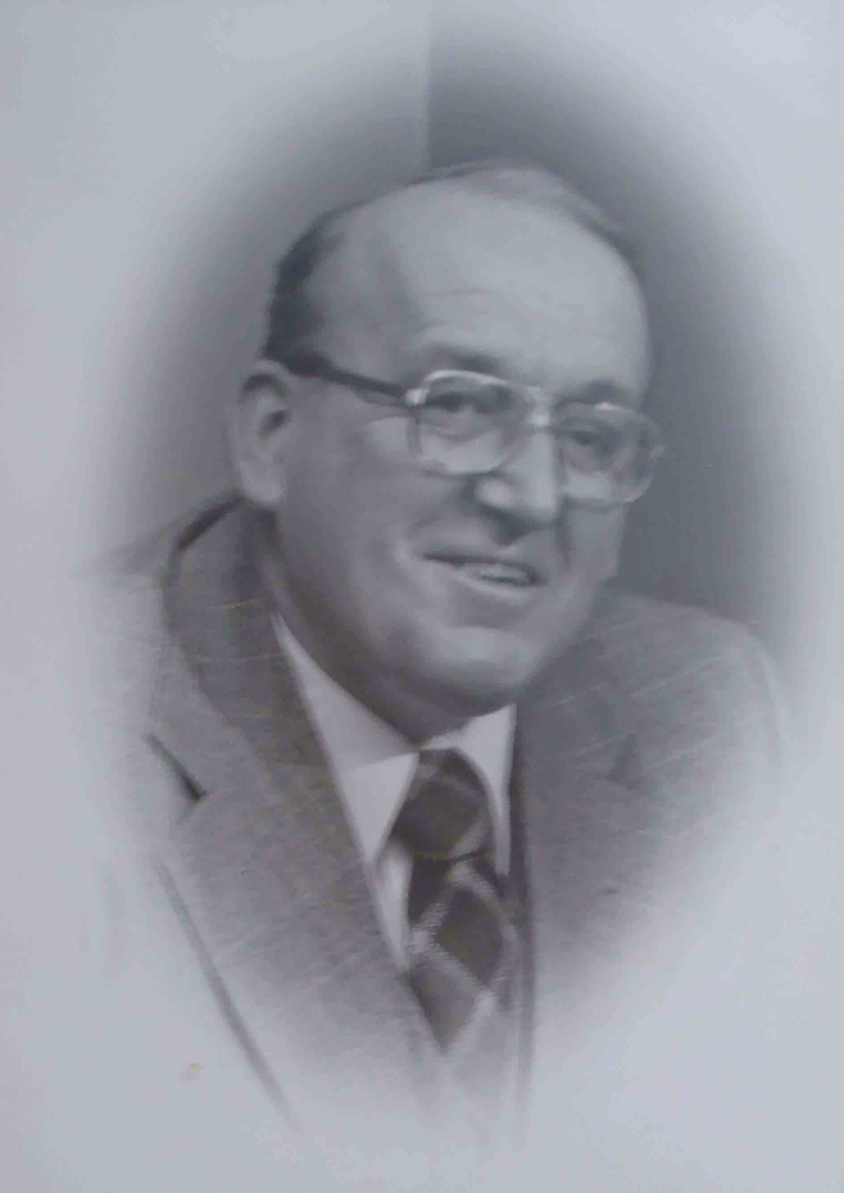 Ken Paskin, Mayor of Duncan 1974-1979. He was a member of Malahat Lodge, No. 107 in Mill Bay, B.C.