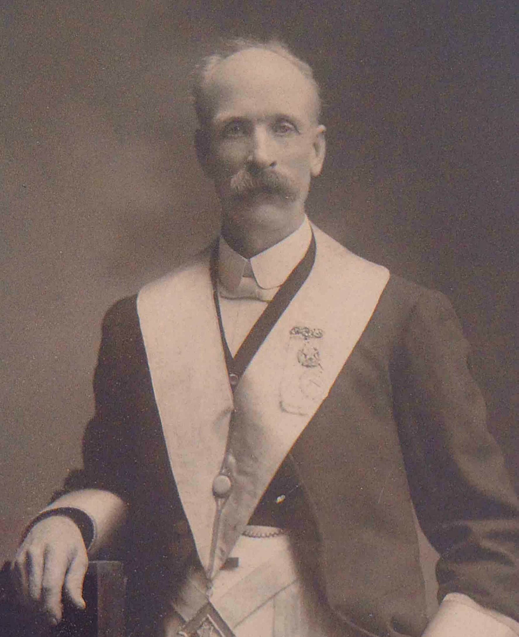Samuel Robinson, Worshipful Master of Temple Lodge, No.33 in 1902