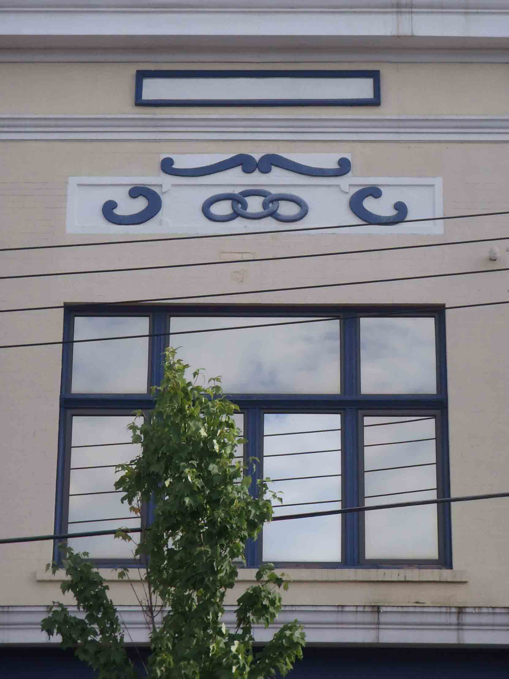 The I.O.O.F. three ring symbol is still visible on the Station Street facade of the Whittome Building