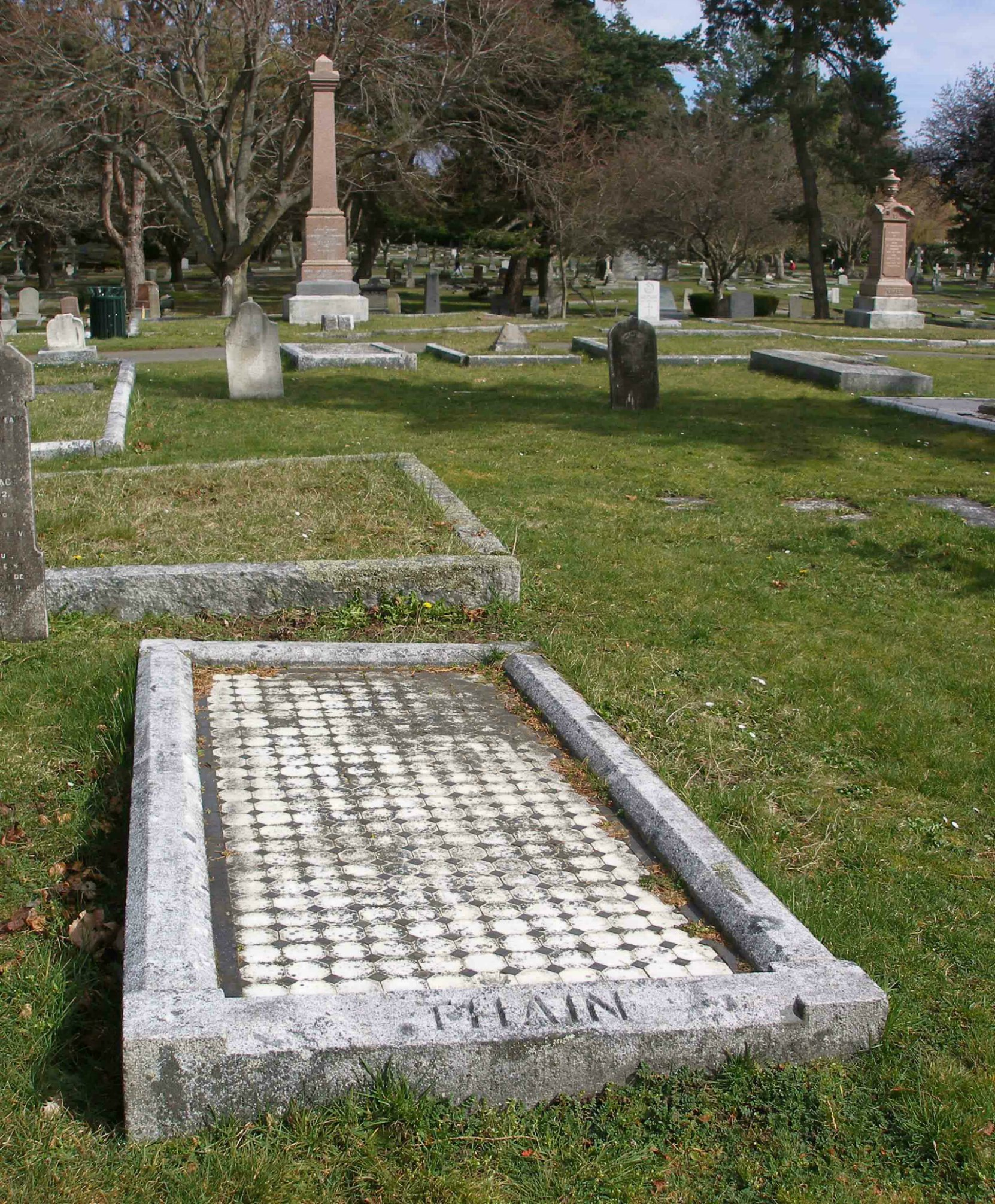 James Nealton Thain grave, Ross Bay Cemetery, Victoria, B.C.