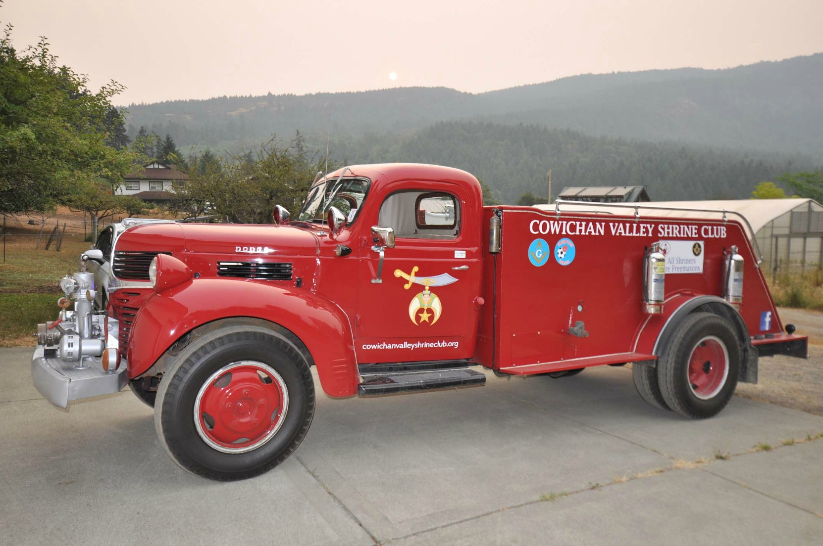 The Cowichan Valley Shrine Club fire truck, a 1946 Dodge. (photo courtesy of Cowichan Valley Shrine Club)