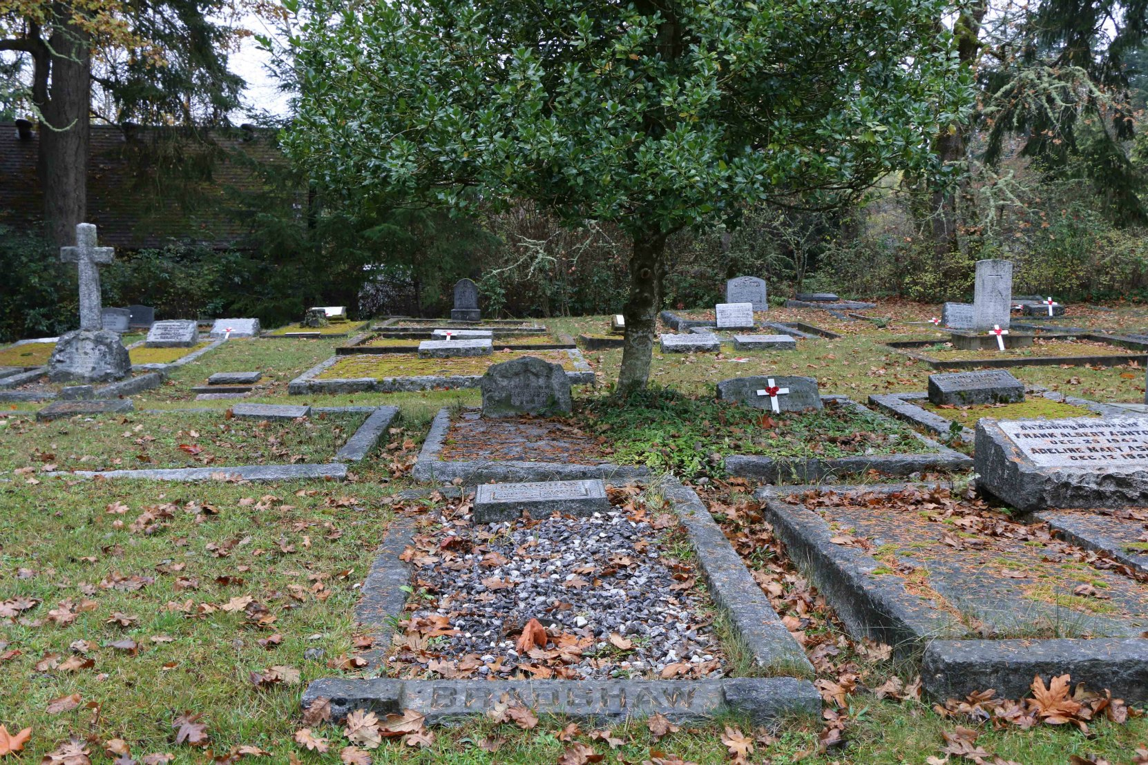 Cecil Bradshaw grave, St. Peter's Quamichan Anglican Cemetery, North Cowichan, B.C. (photo by Temple Lodge No. 33 Historian)