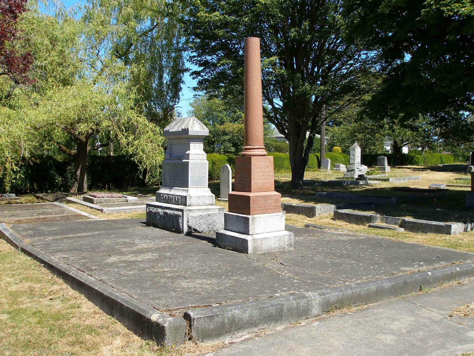 Dr. George Lawson Milne grave, Ross Bay Cemetery, Victoria, B.C. (photo by Temple Lodge No.33 Historian)