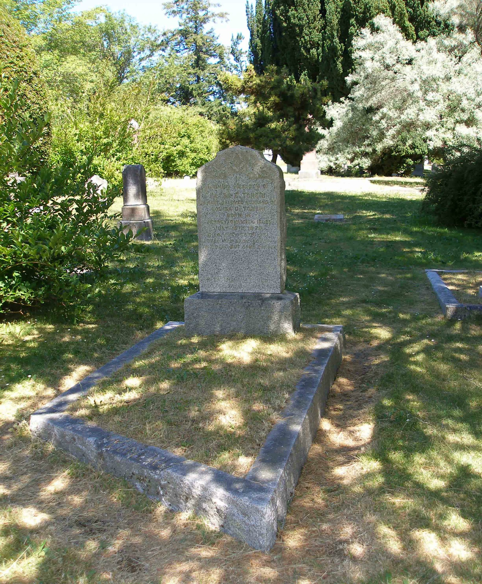 Peter Edward Toneri grave, Ross Bay Cemetery, Victoria, B.C. (photo by Temple Lodge No. 33 Historian)
