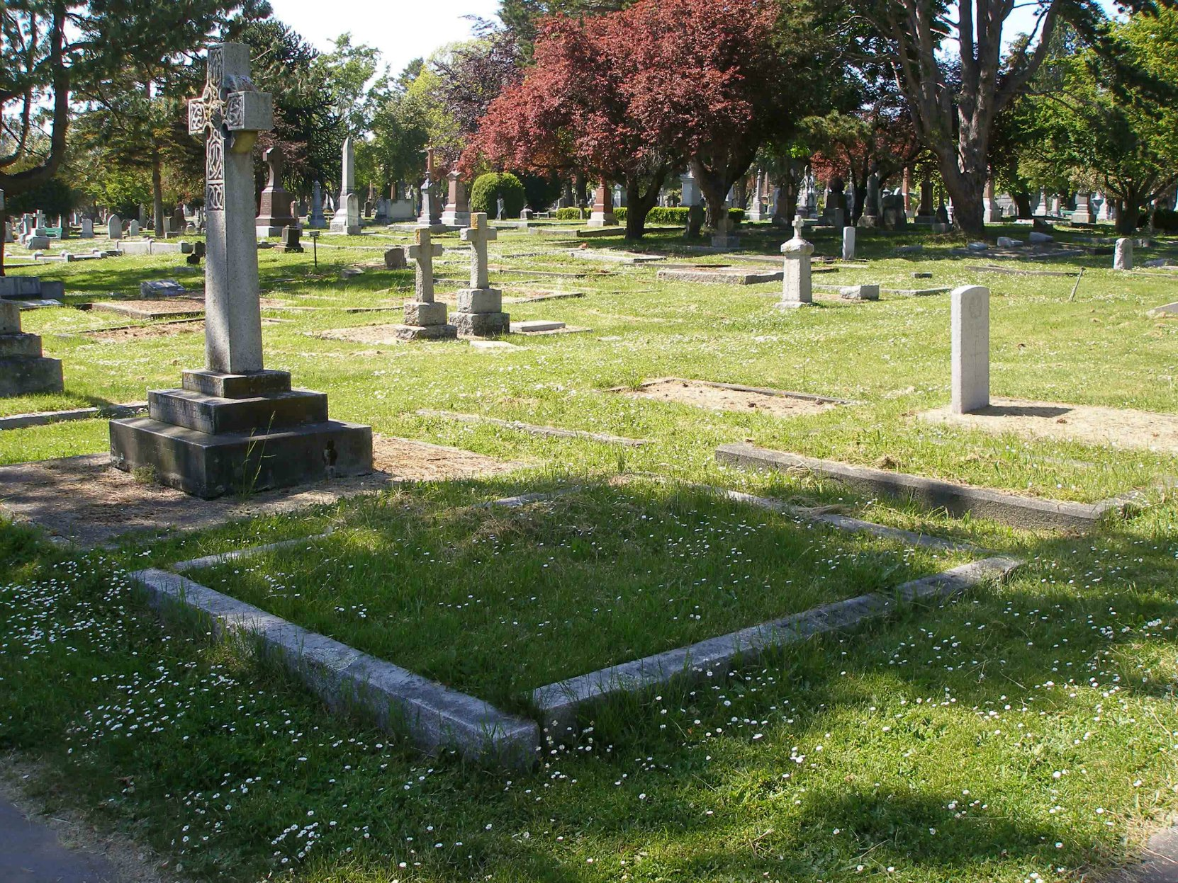 Thomas Catterall grave, Ross Bay Cemetery, Victoria, B.C. (photo by Temple Lodge No. 33 Historian)
