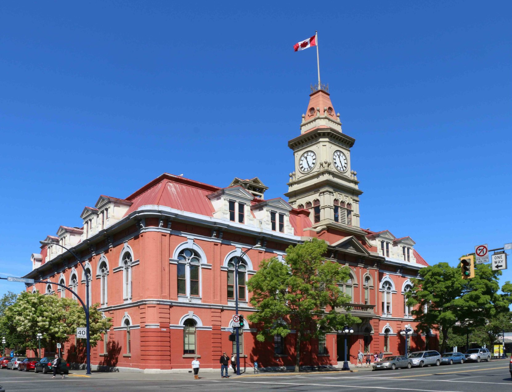 Victoria City Hall, designed and built by architect John Teague, a Past Master of Victoria-Columbia Lodge No. 1. (photo by Temple Lodge No. 33 Historian)