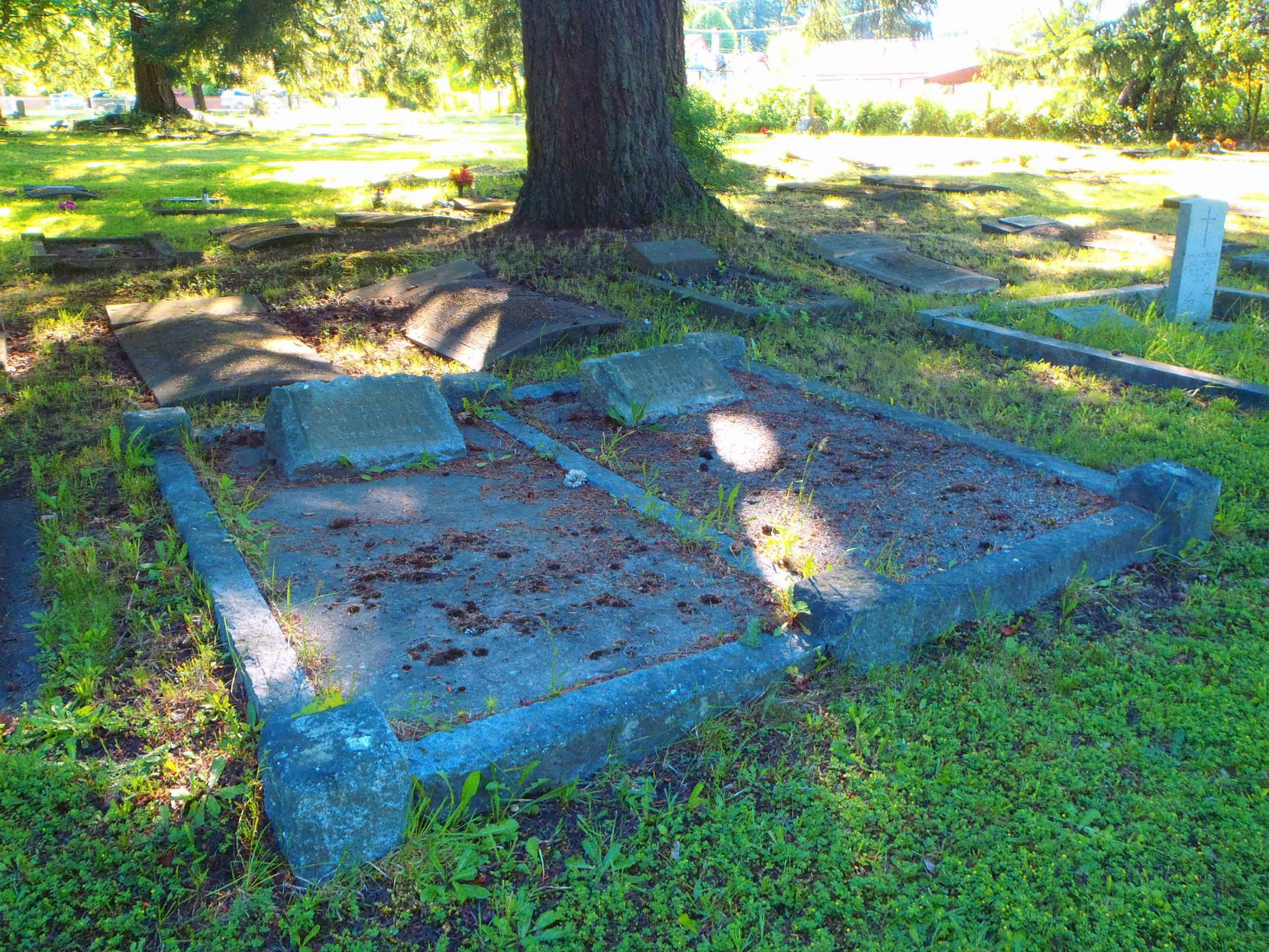Joshua Freeman Marshall grave, Chemainus Cemetery, Chemainus, B.C. (photo by Temple Lodge No. 33 Historian)