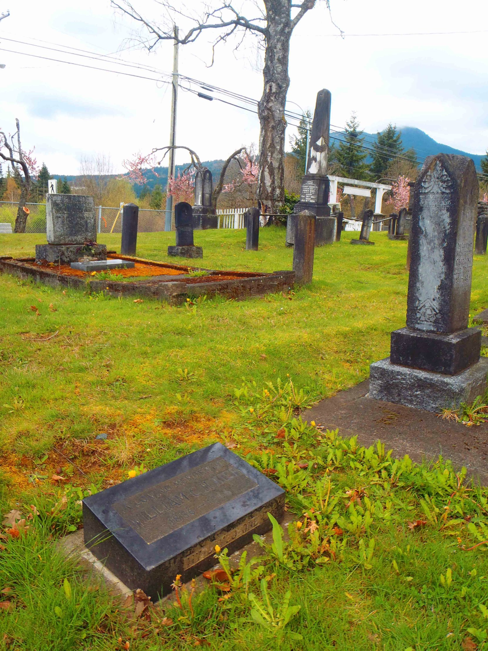 William Kier grave, Mountain View Cemetery, North Cowichan (photo by Temple Lodge No. 33 Historian)