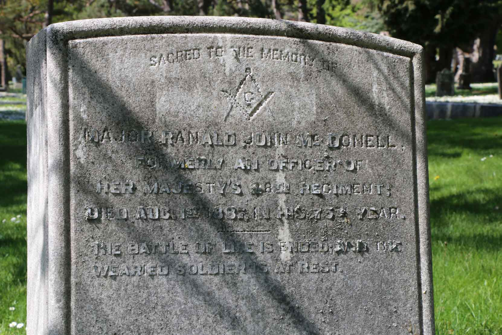 Major Ranald McDonell grave inscription, Ross Bay Cemetery, Victoria, BC (photo by Temple Lodge No. 33 Historian)