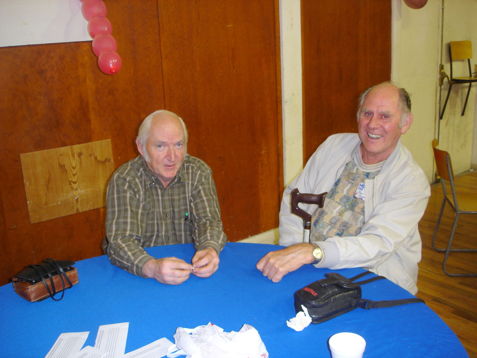 Bob Crawford (left) at the Hillcrest Lumber Co. Employees Reunion in 2006. (photo courtesy of Cecil Ashley)