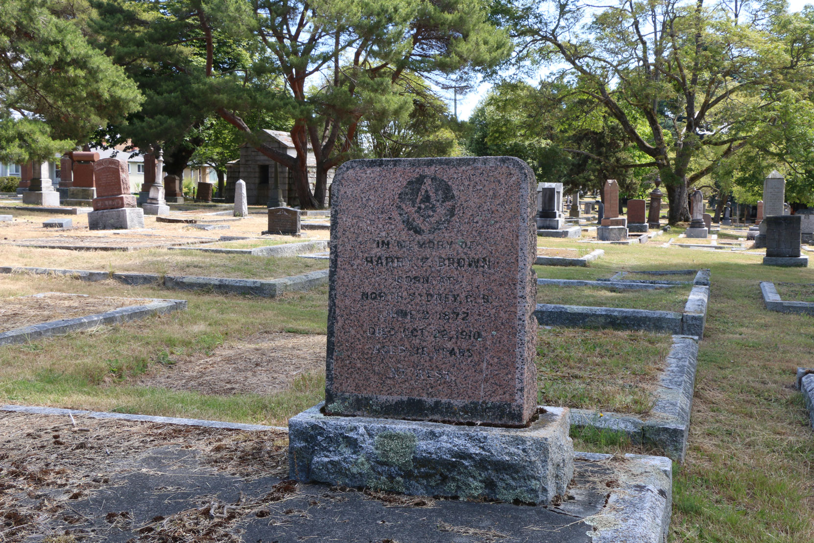 Harry Brown grave, Ross Bay Cemetery, Victoria, BC (photo: Temple Lodge No. 33 Historian)