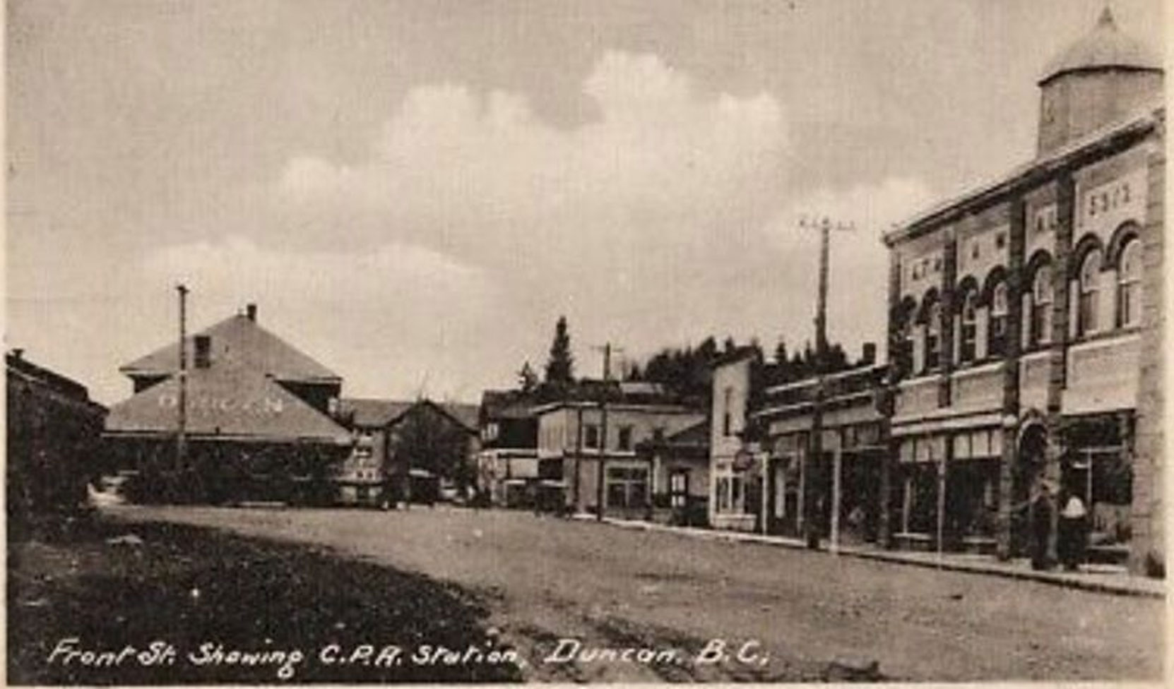 Front Street (now Canada Avenue) in downtown Duncan circa 1914. The Duncan Masonic Temple is on the right.