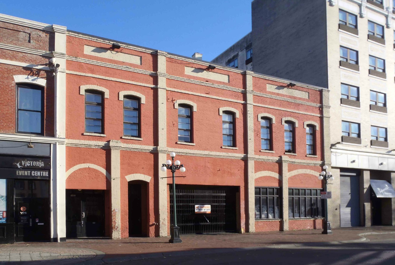 1407-1411 Broad Street, built in 1906 by John Meston & Company for its carriage making business. (photo_Temple Lodge No. 33 Historian)
