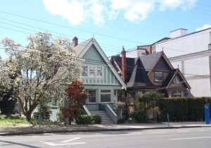 1125 Fort Street (right) and 1127 Fort Street (left), built for Anna Bantly in 1907 and 1909 by designed/builder David H. Bale (photo: Temple Lodge No. 33 Historian)