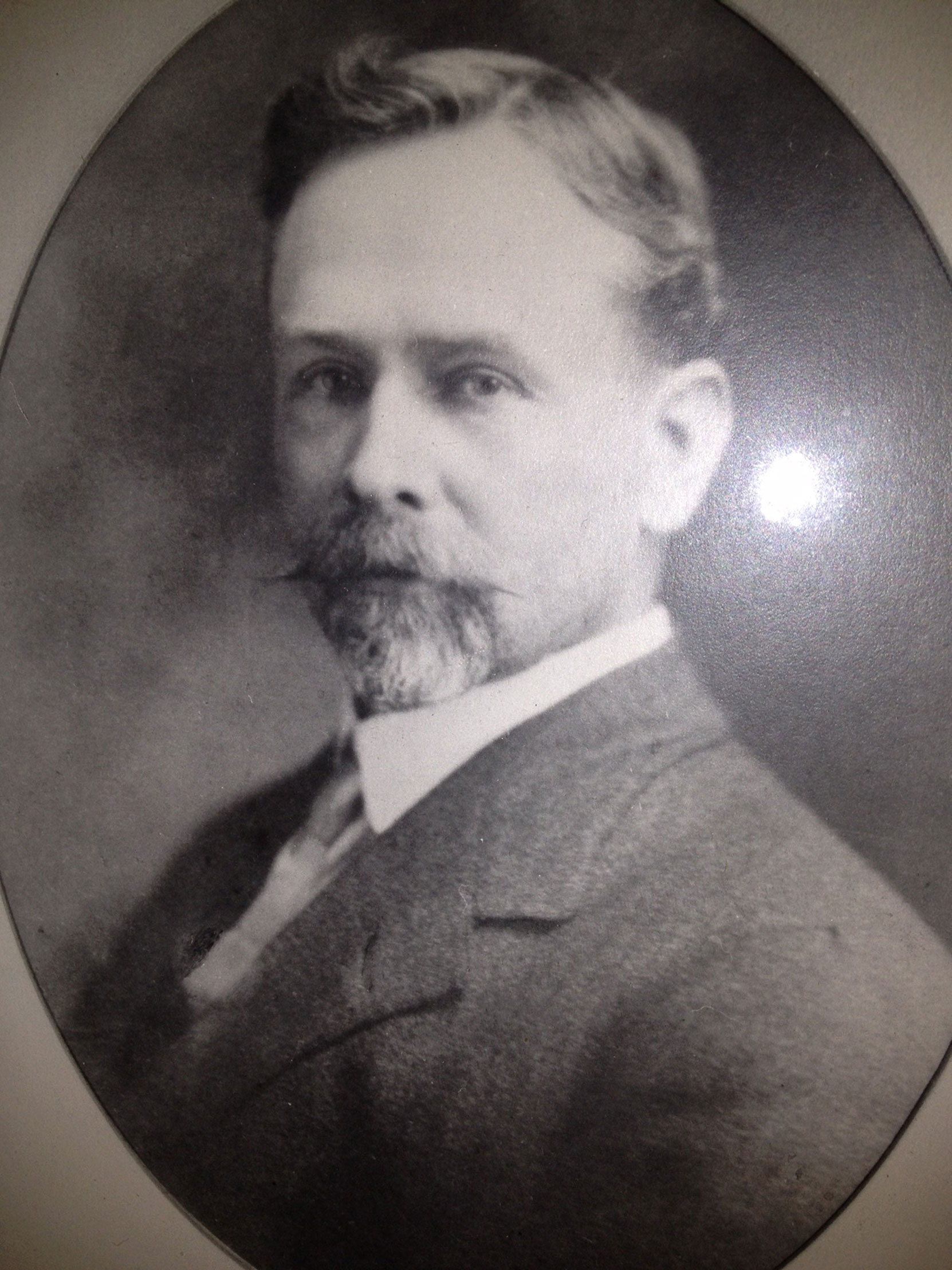 Alexander Gilmore McCandless (1861-1939) circa 1903. Alexander McCandless was a member of Victoria-Columbia Lodge No. 1 who served as Mayor of Victoria in 1902-1903. (photo courtesy of Ken McCandless)