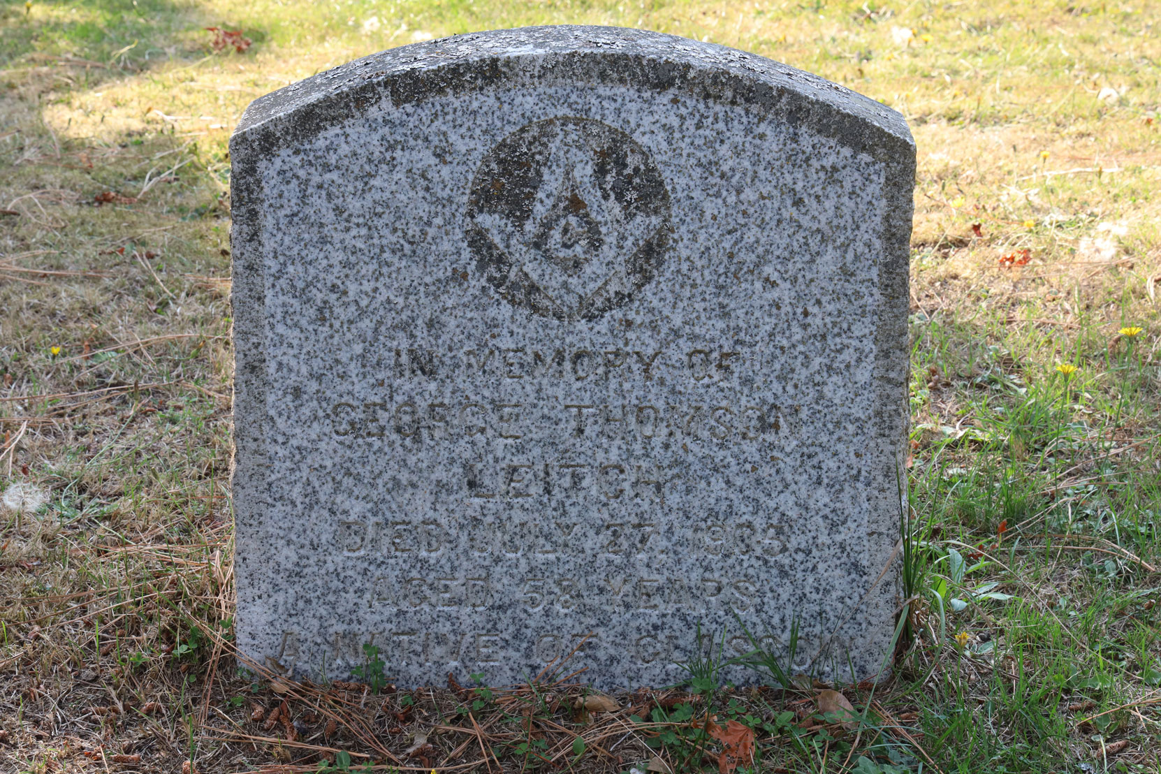 George Thomson Leitch grave marker, Roos Bay Cemetery, Victoria, BC (photo: Temple Lodge No. 33 Historian)